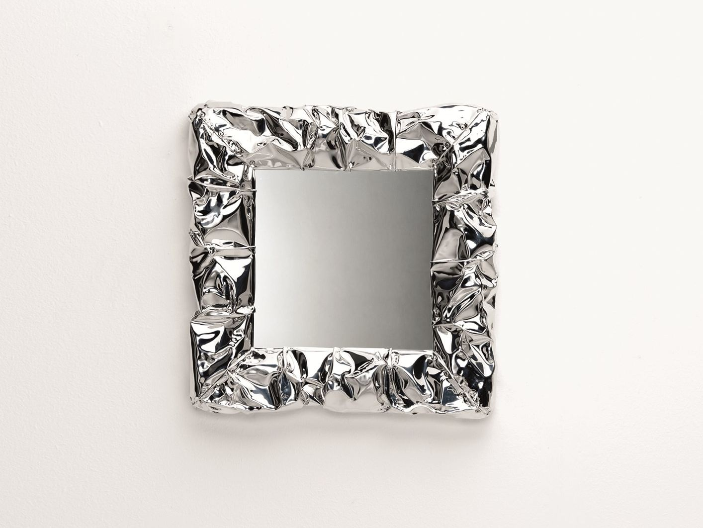 Miroir mural avec cadre tab u mirror micro by opinion for Cadre photo mural design