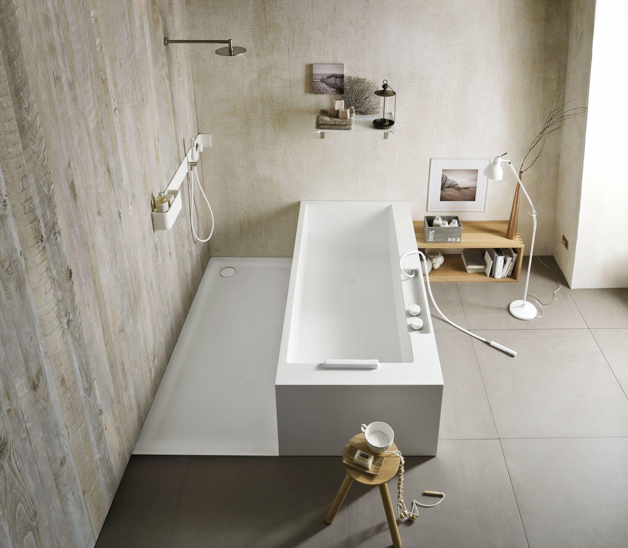 ergo nomic baignoire il t by rexa design design giulio gianturco. Black Bedroom Furniture Sets. Home Design Ideas