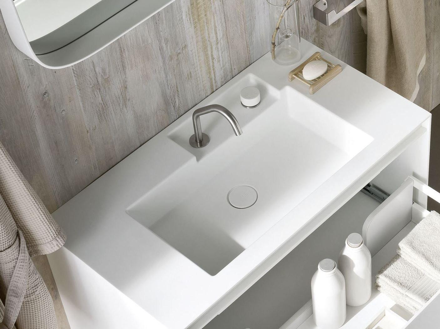 ergo nomic robinet pour lavabo by rexa design design giulio gianturco. Black Bedroom Furniture Sets. Home Design Ideas