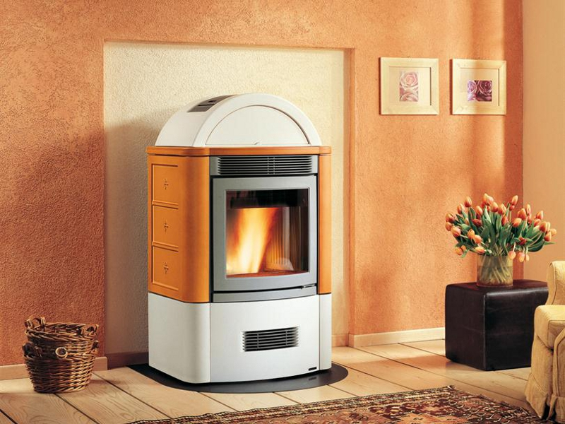 Stufa a pellet per riscaldamento aria STUBOTTO 04 by Piazzetta