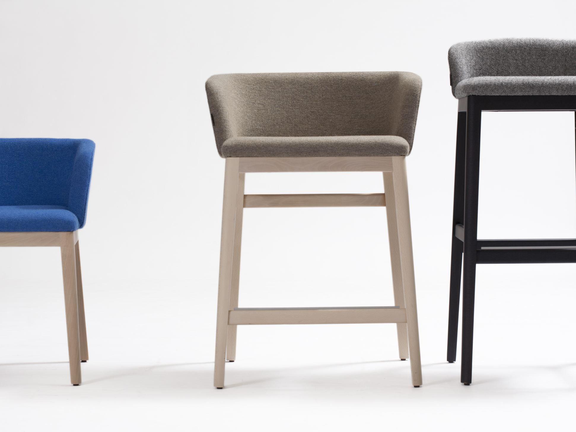 CONCORD Cadeira alta by Capdell design Claesson Koivisto Rune #1E3D6E 1942x1456