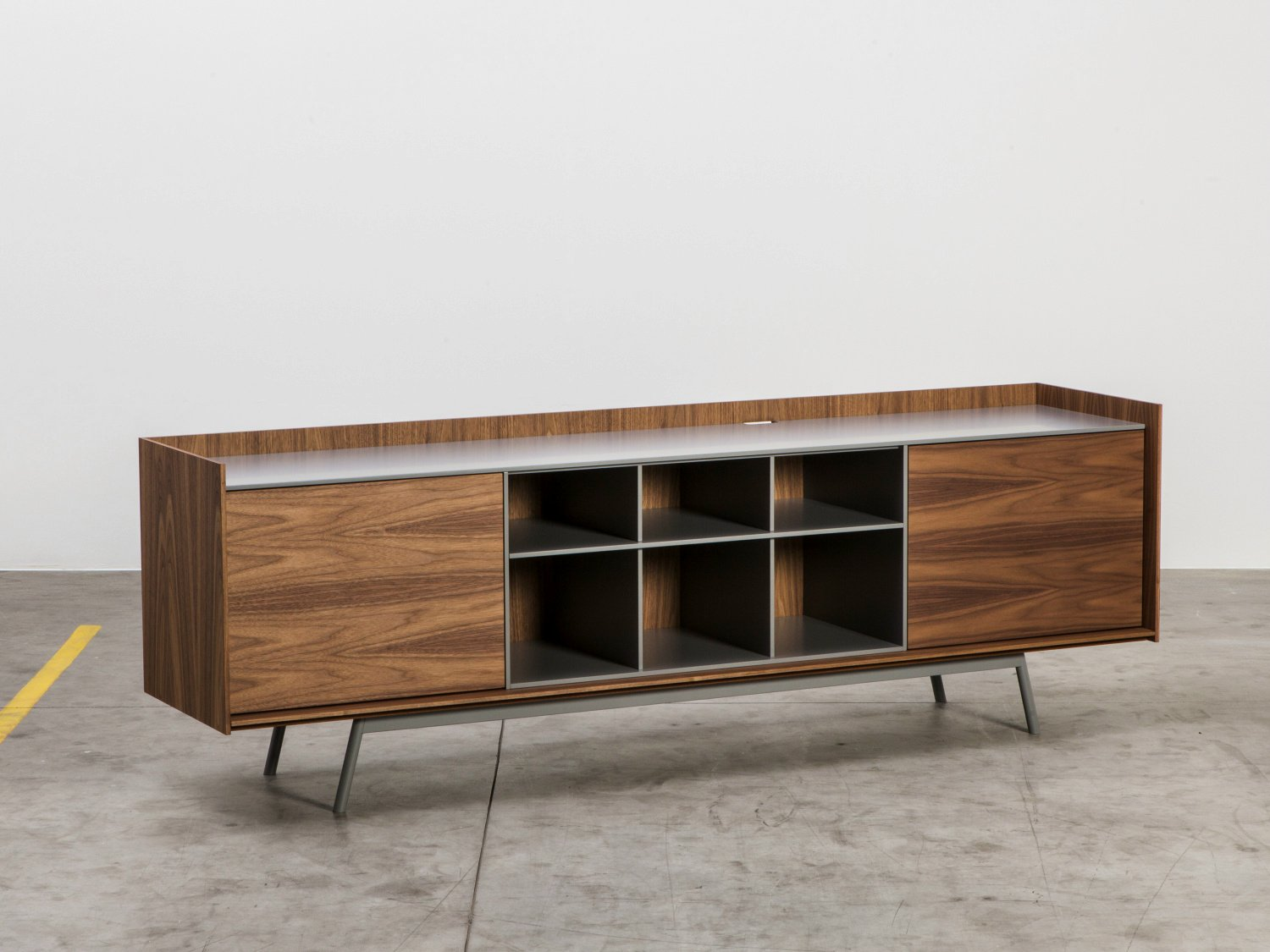 Edge sideboard by miniforms design gaia giotti giona for Sideboard 220 cm