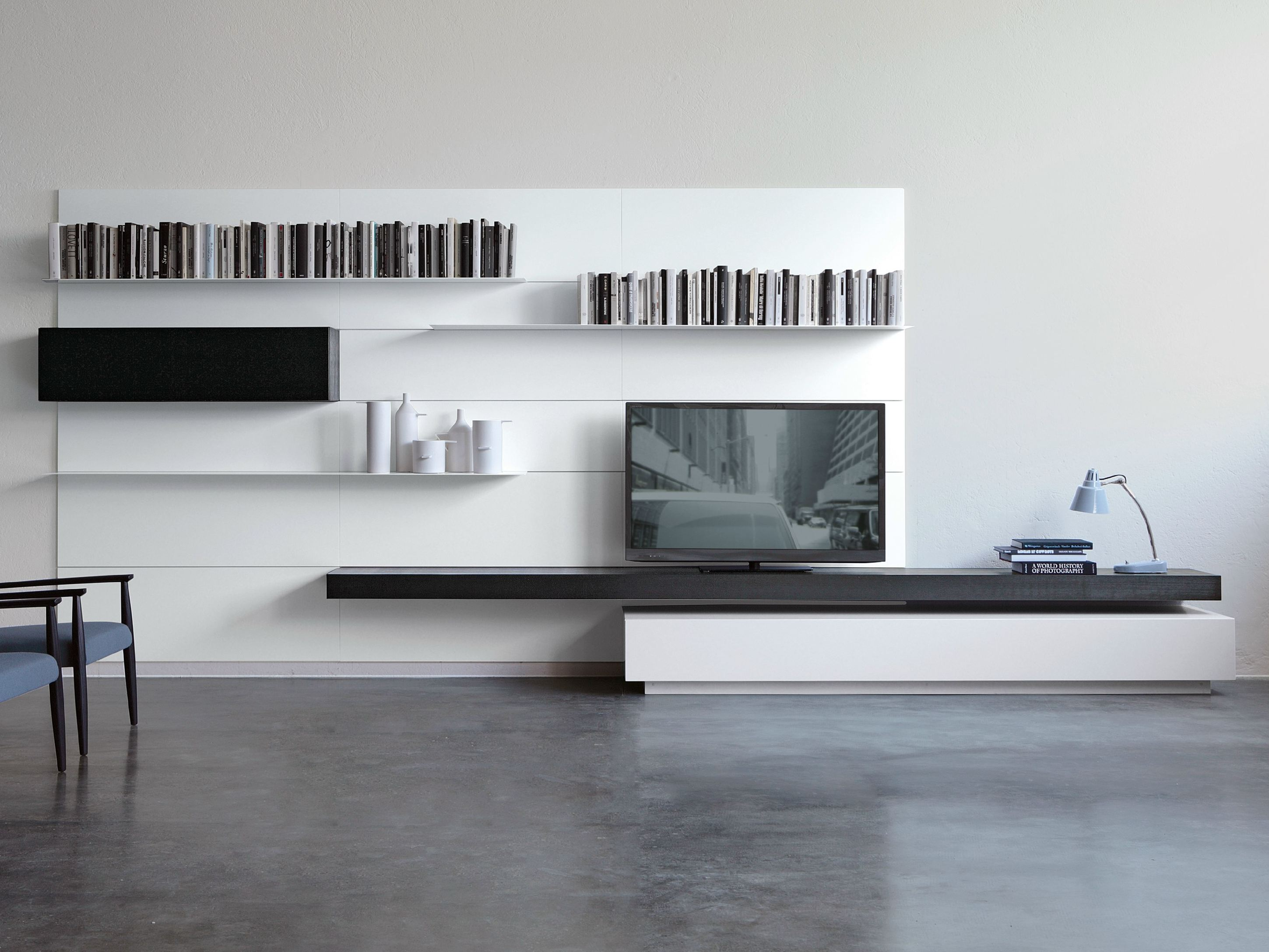 Mueble modular de pared montaje pared load it by porro for Porro muebles