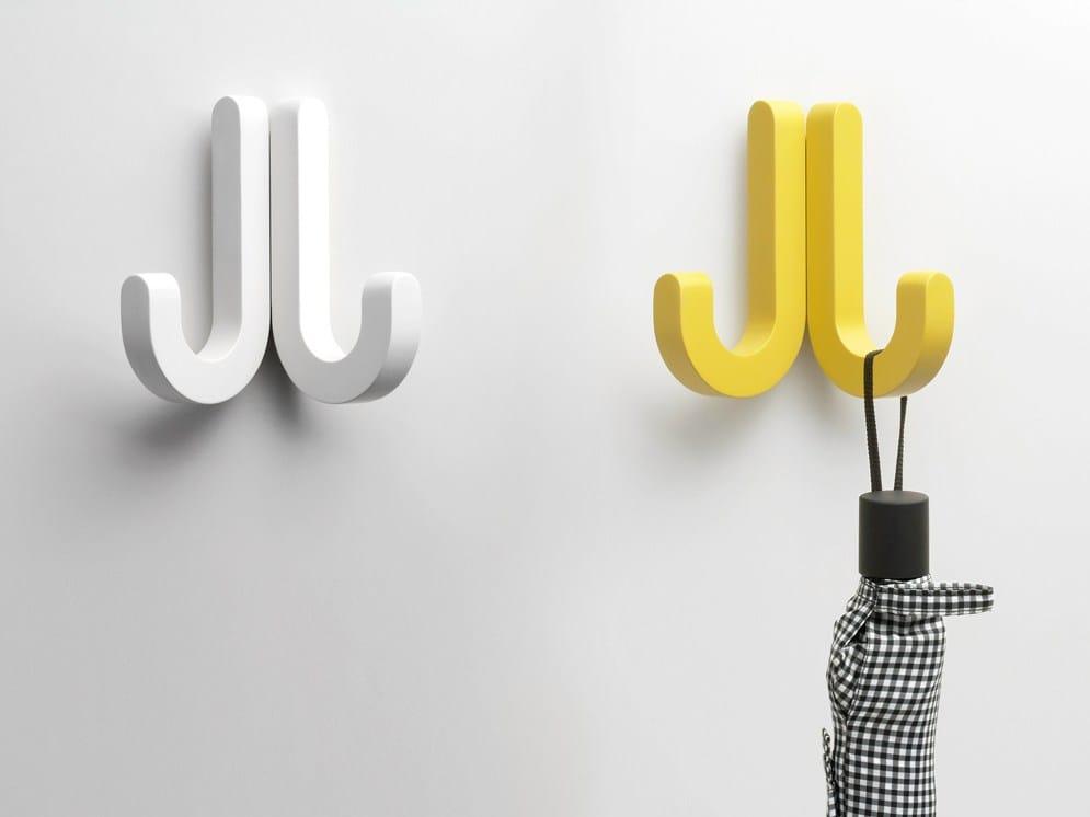 Colgador de pared en acero candy by miniforms dise o for Colgadores de pared adhesivos