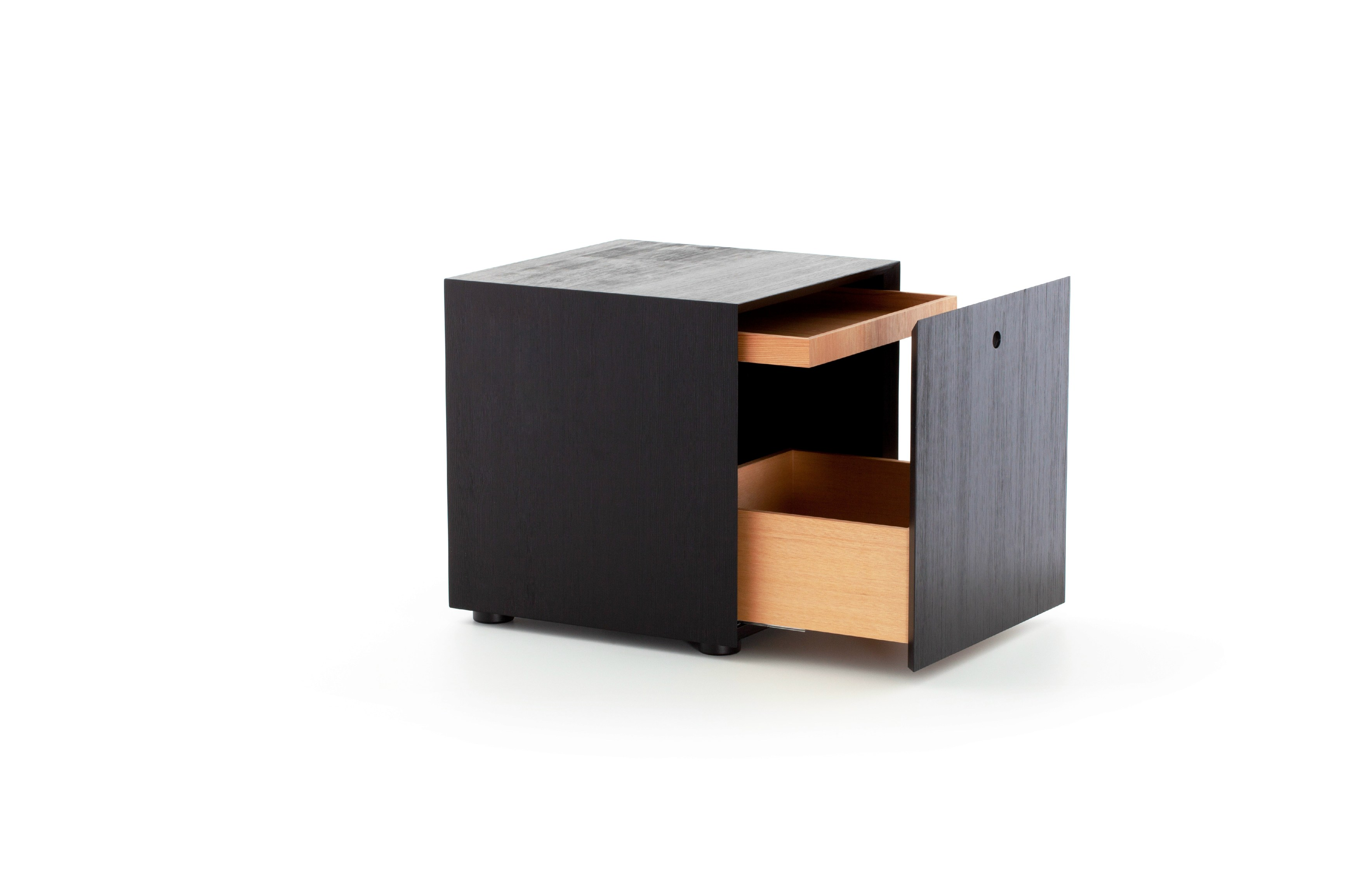 Offshore bedside table by porro design piero lissoni for Prodotti design