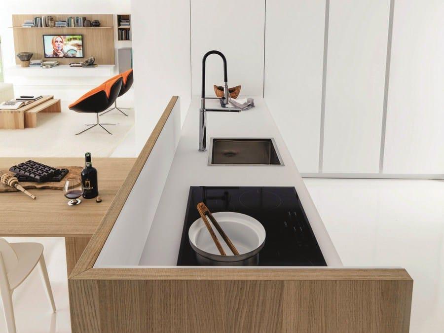 Cuisine int gr e en bois kubic 3 by euromobil design for Cuisine integree bois