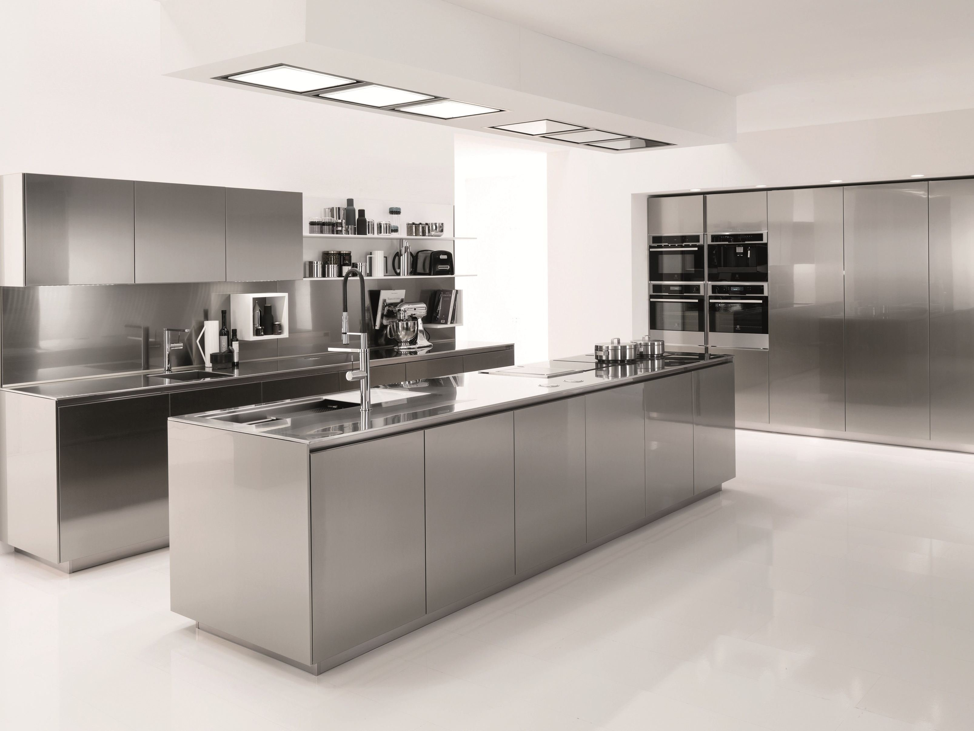 Stainless steel kitchen filofree steel by euromobil design for Kitchen set expo