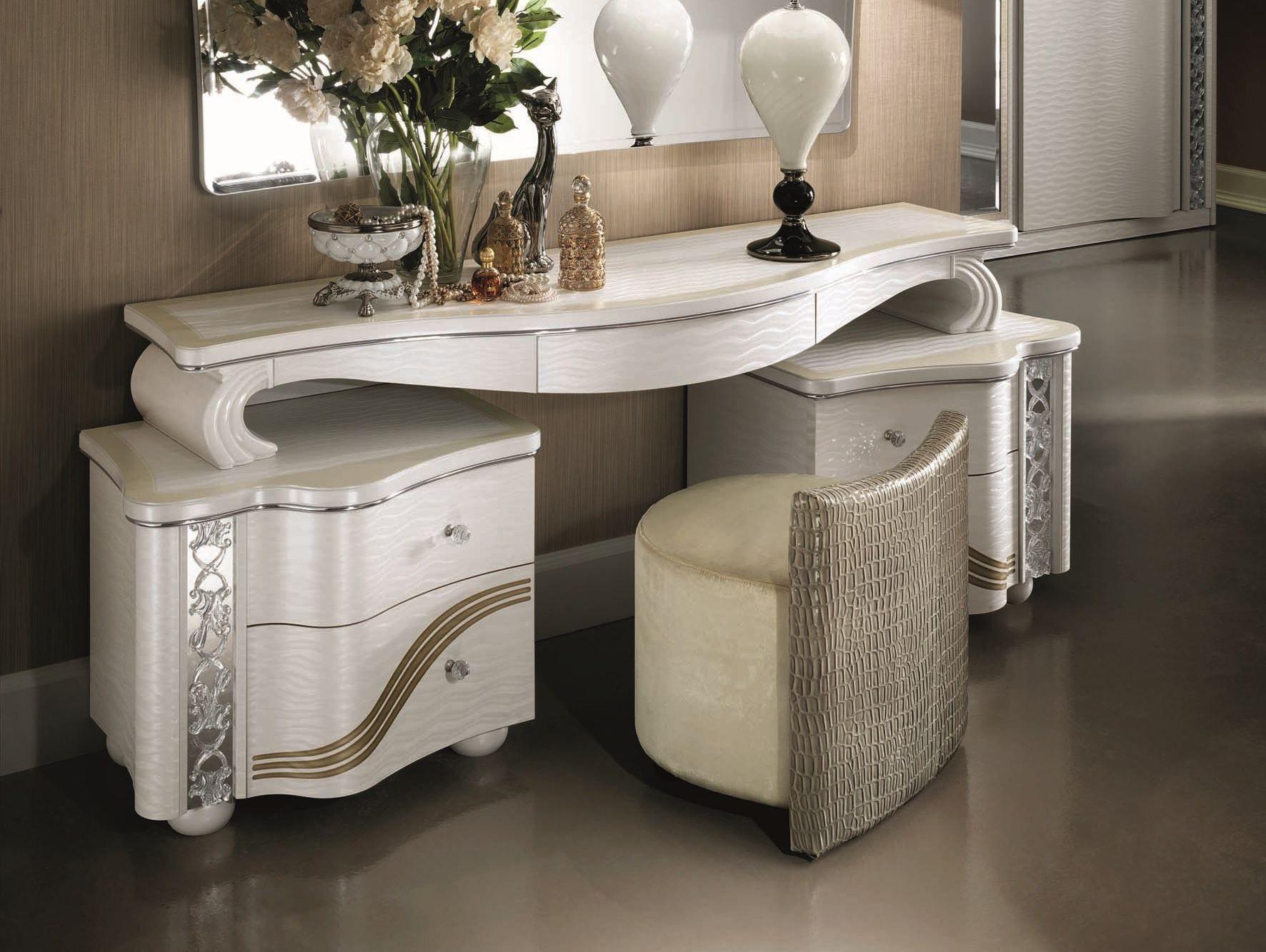 mir schminktisch by arredoclassic. Black Bedroom Furniture Sets. Home Design Ideas