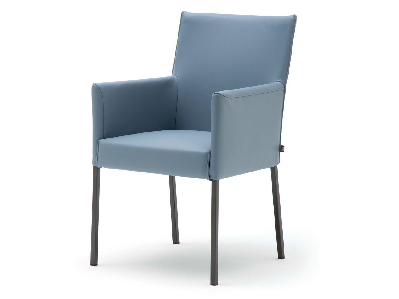 gepolsterter stuhl mit armlehnen rolf benz 652 by rolf. Black Bedroom Furniture Sets. Home Design Ideas