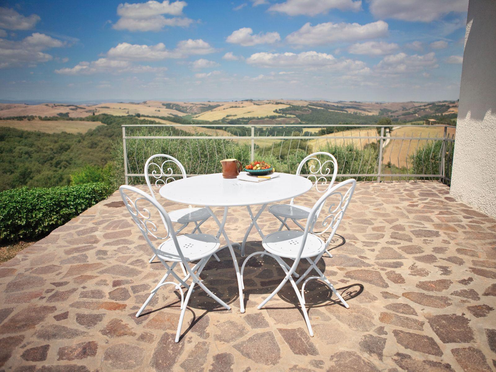 Table De Jardin Ronde Solid Emu Des Id Es