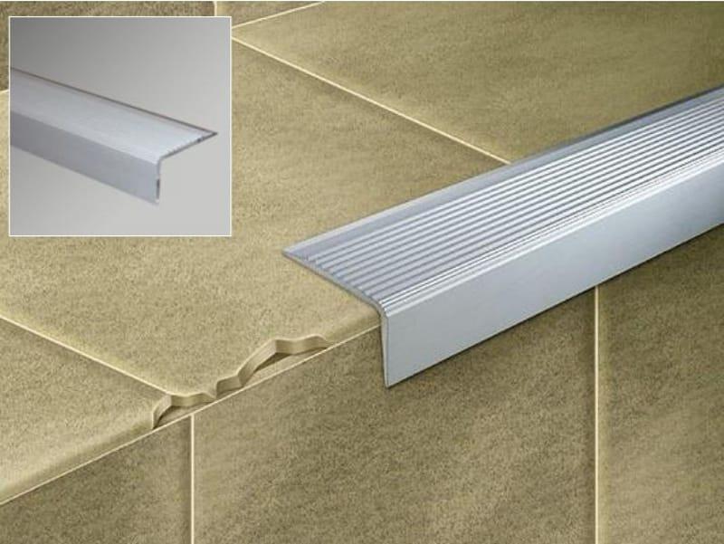 Perfiles esquineros de metal novopelda o 5 by emac italia - Esquineros para paredes ...