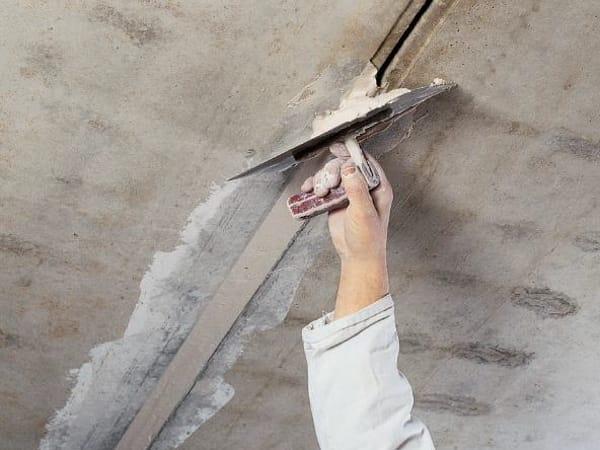 Enduit de lissage beton finish by knauf italia for Enduit de lissage plafond