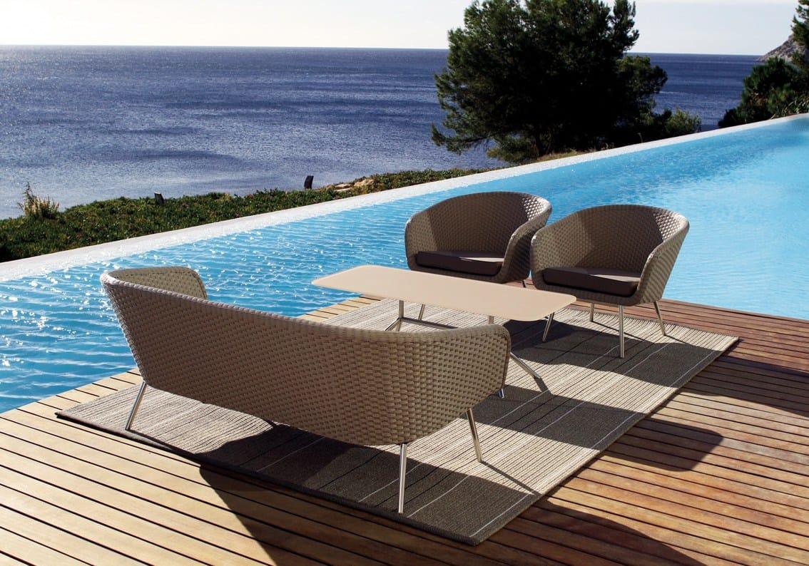 Table de jardin rectangulaire en acier design shell dining for Table de jardin en acier