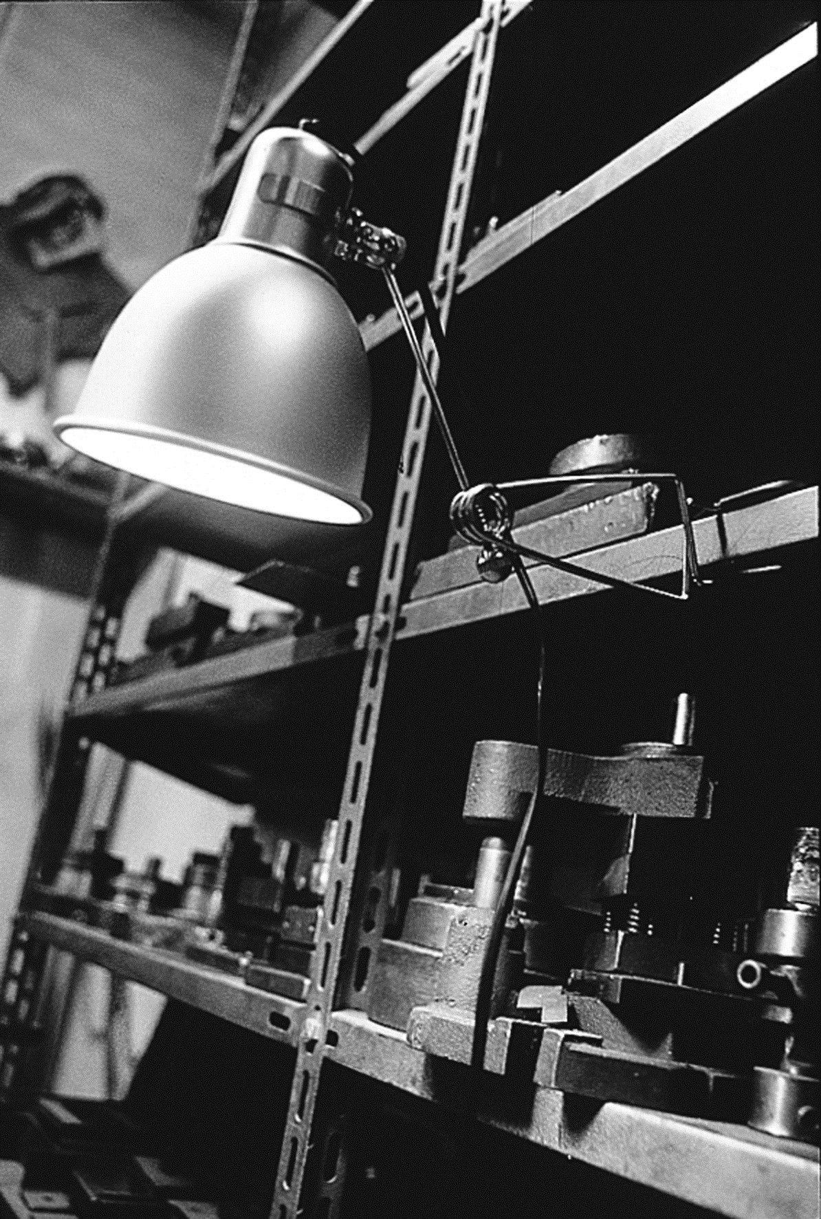 Faretto con braccio flessibile con morsetto PINZA by KRIPTONITE