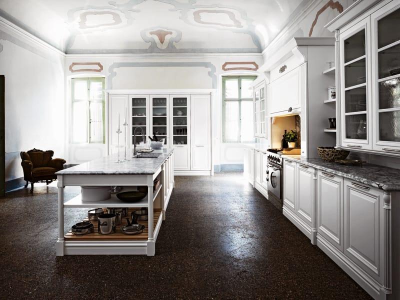 Cucina laccata con isola elite composizione 2 by cesar for B b mobili