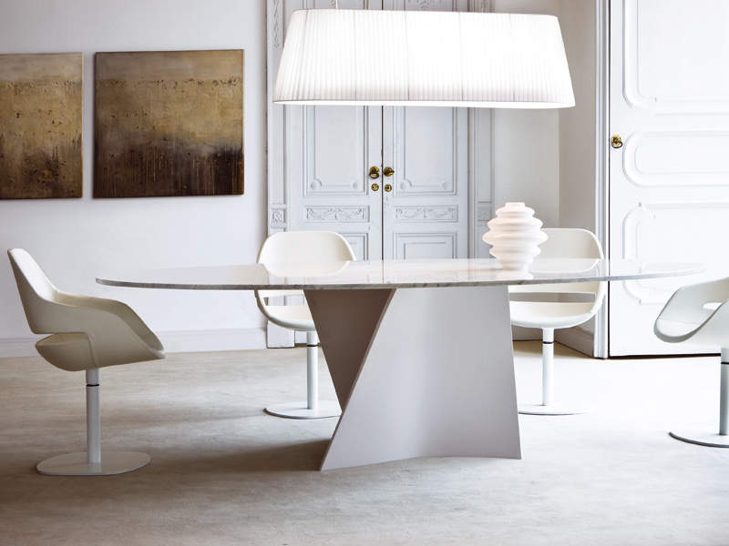 Cristalplant dining table elica 2575 by zanotta design for Table zanotta