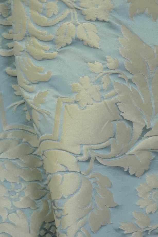 tissu damass de style louis xiv grand dauphin by lelievre. Black Bedroom Furniture Sets. Home Design Ideas