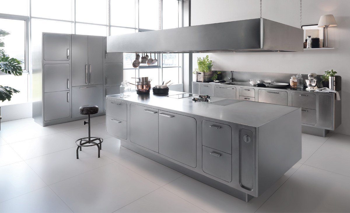 Cucina professionale in acciaio inox ego by abimis is a for Cuisine professionnelle inox