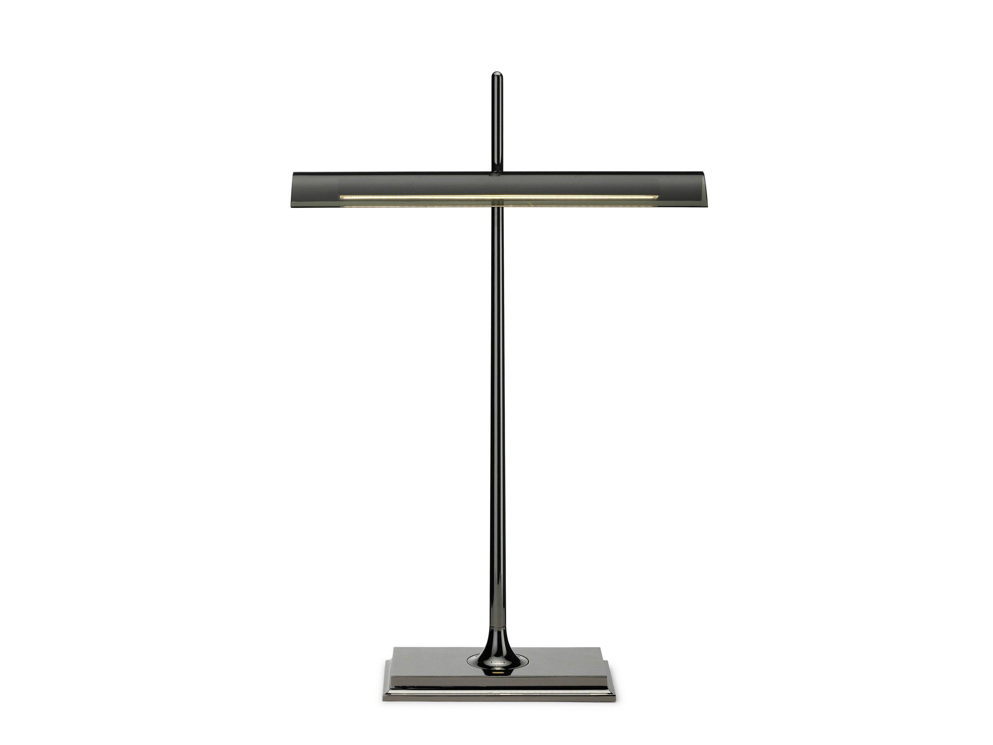 Lampada da tavolo a luce diretta in metacrilato goldman for Lampada da tavolo design flos