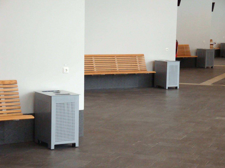 Banco de madeira de parede com encosto NO2 Banco de parede Nola  #986433 1493x1116