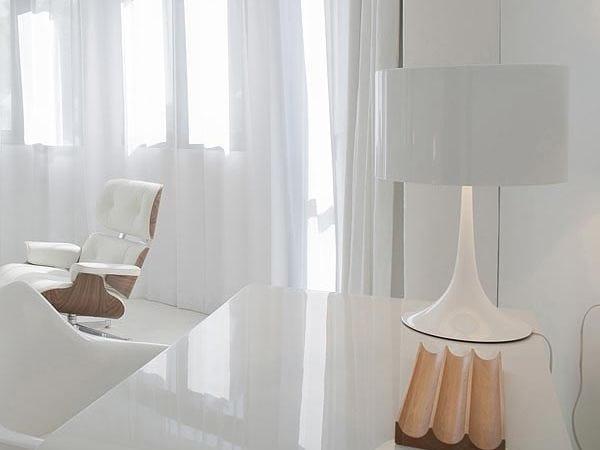 Lampada da tavolo con dimmer spun light t by flos design for Lampada tavolo flos