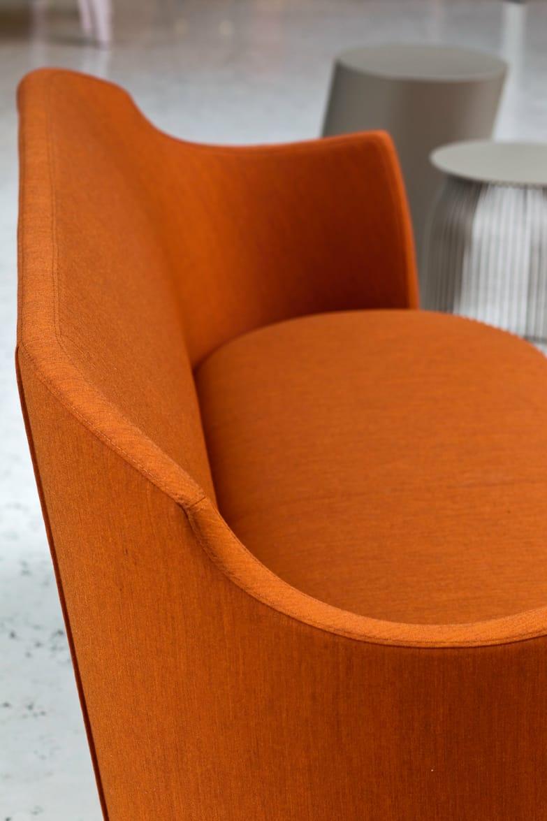 Folies divano by la cividina design paolo badetti - Prodotti per pulire il divano in tessuto ...
