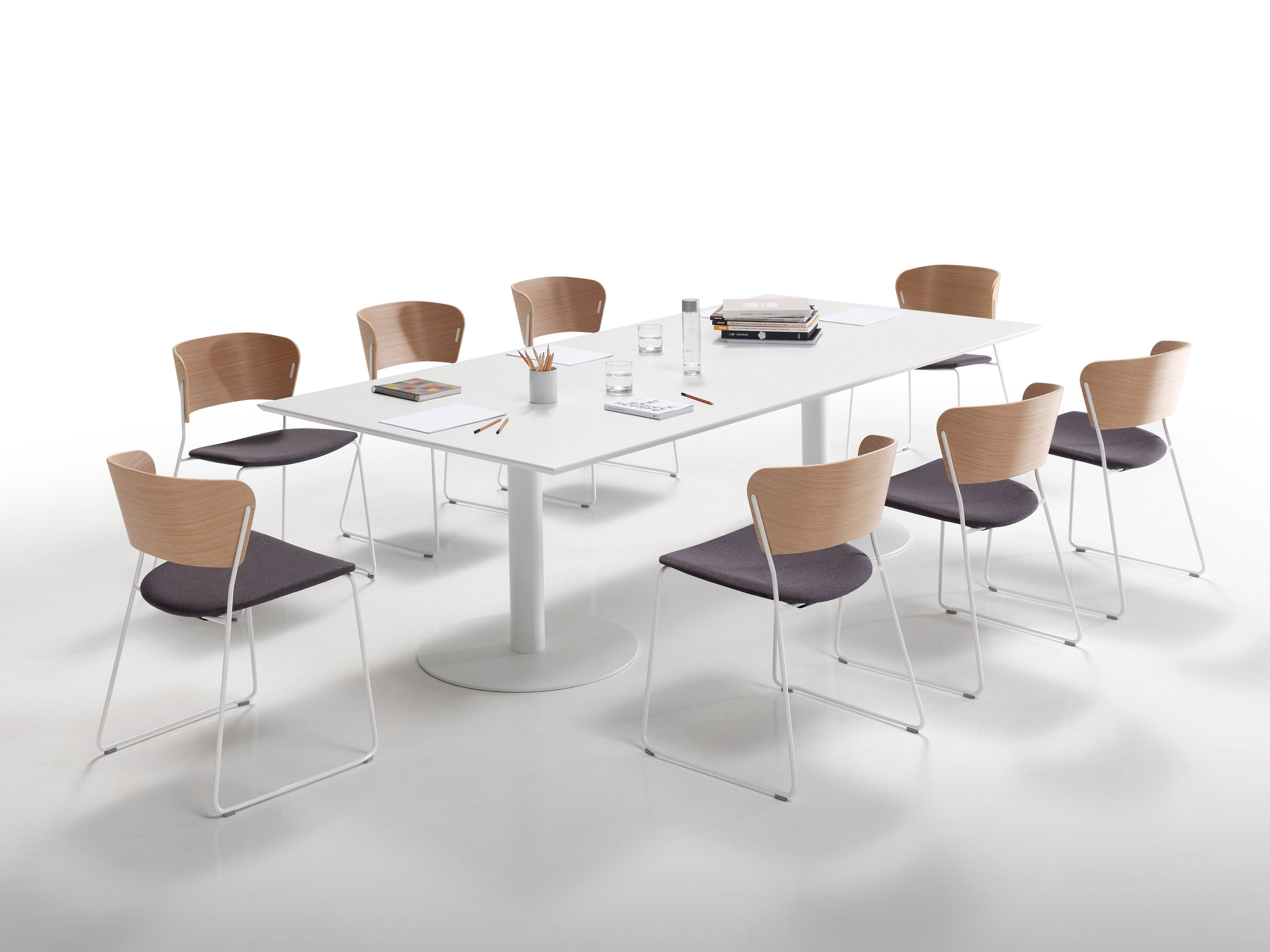 FLAT Dining table by Inclass Mobles