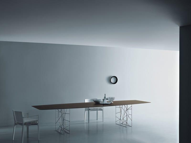 Tavolo in acciaio design synapsis tavolo rettangolare by for Tavolo rettangolare design