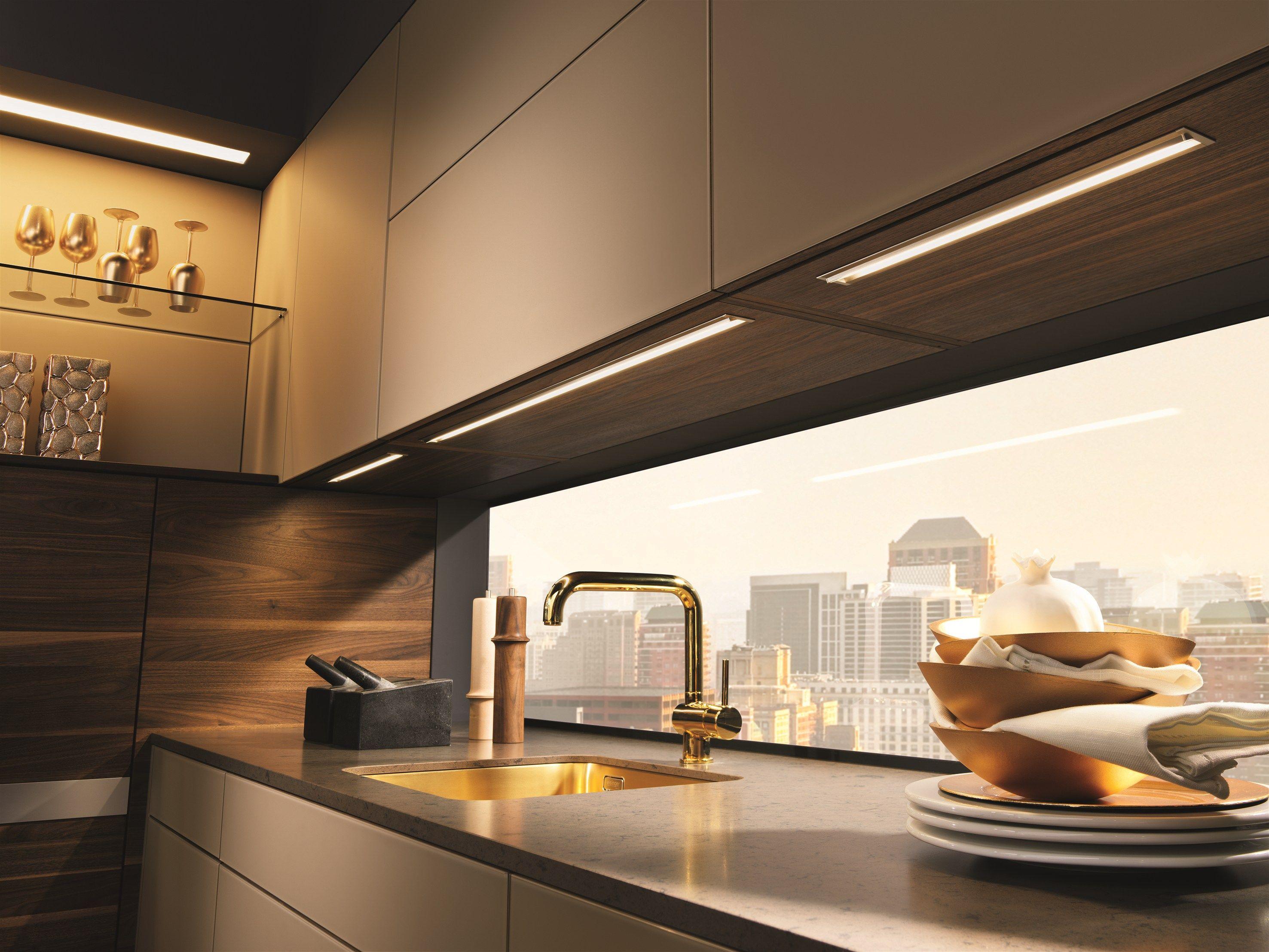 Die Warme Und Willkommende Küche Aus Eiche. Küche Aus Massivem Holz Mit  Kücheninsel K7 By TEAM 7 .