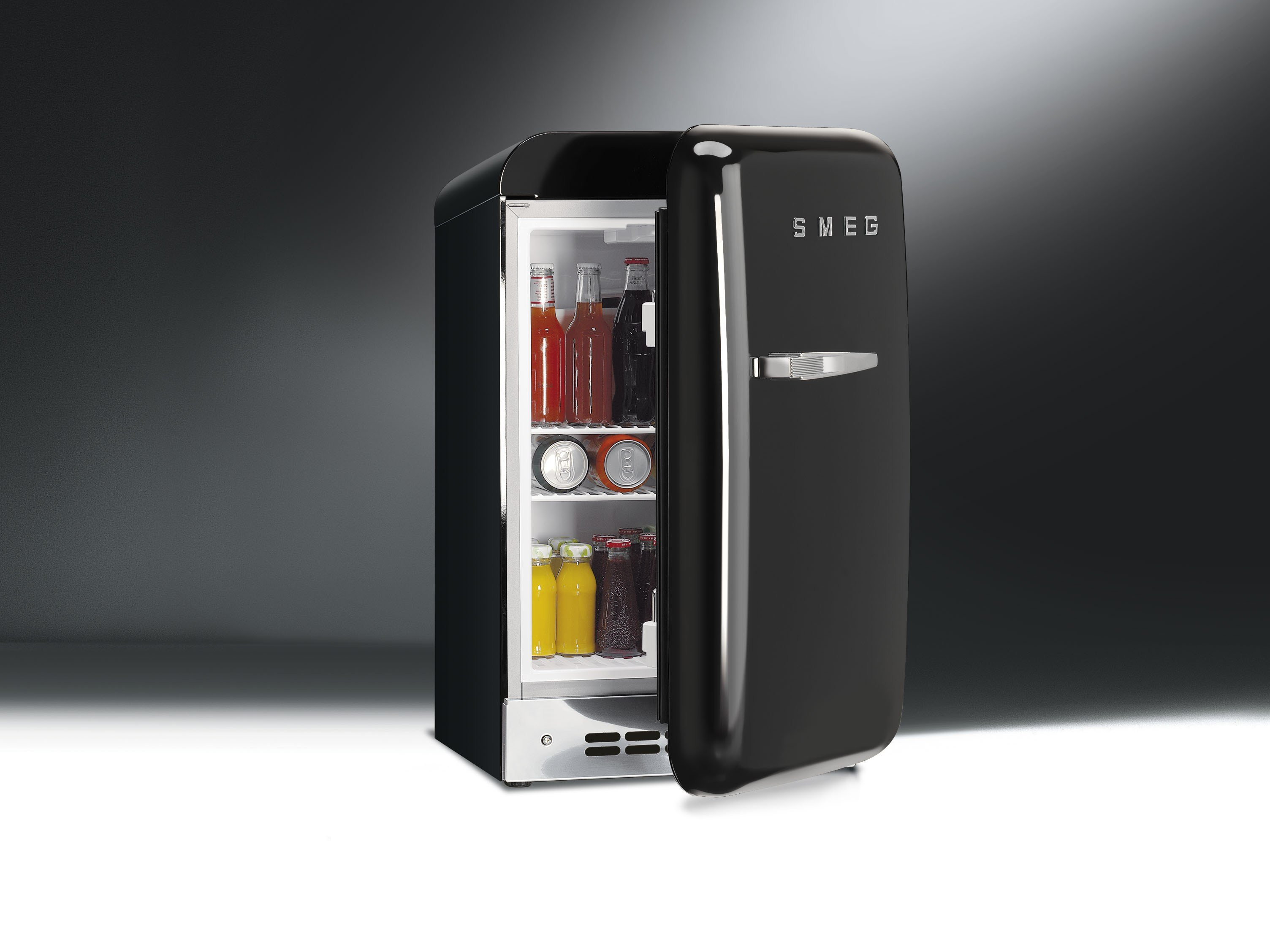 fab5rne minifrigo by smeg. Black Bedroom Furniture Sets. Home Design Ideas