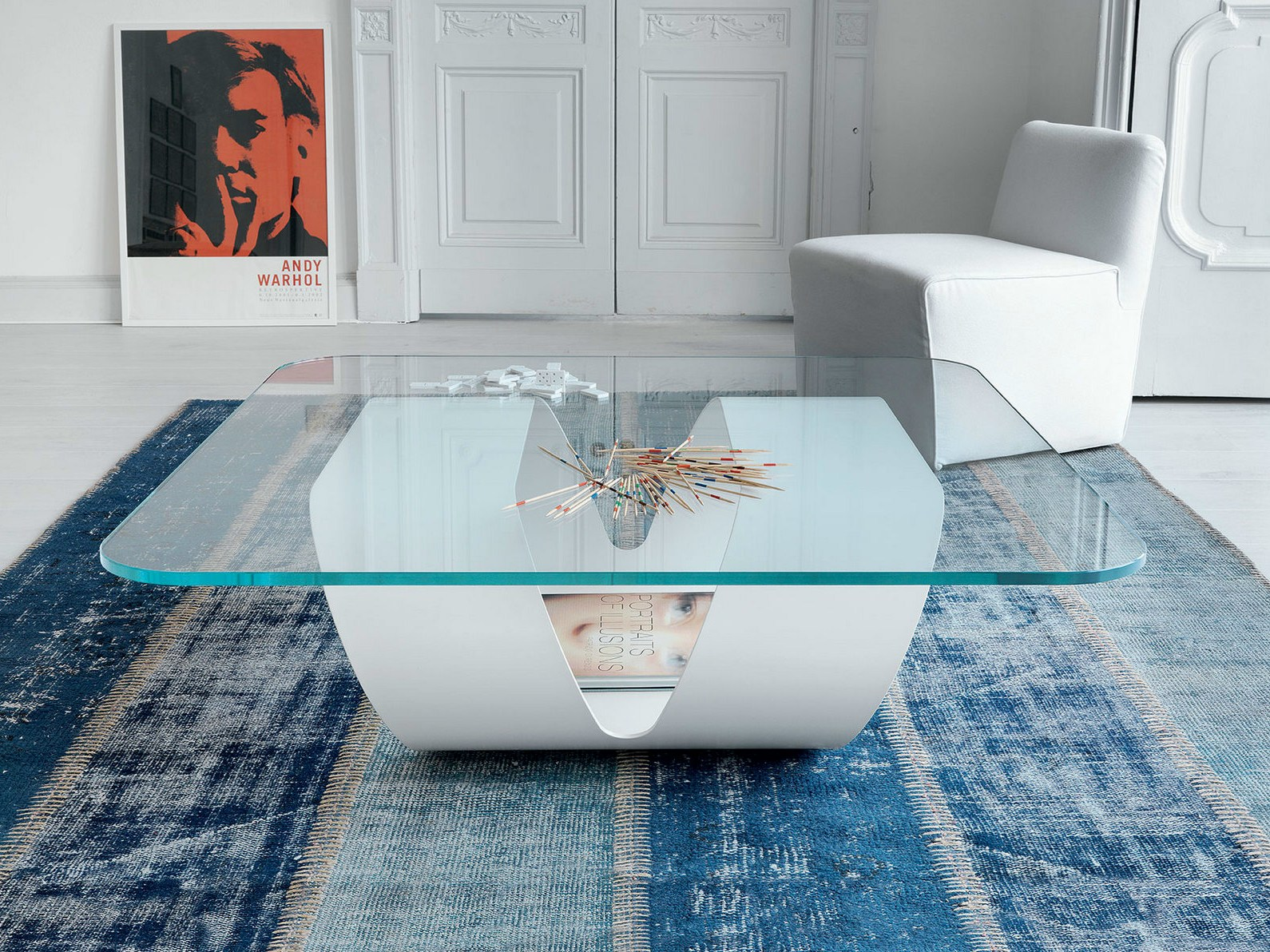 Glass coffee table ring by sovet italia design gianluigi for Mesas de comedor blancas