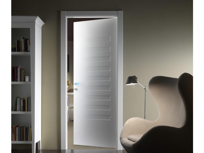 Porta a battente laccata suite 10 by ferrerolegno for Ferrero porte prezzi