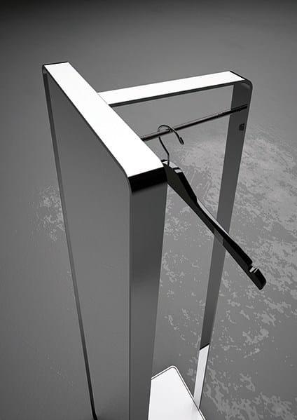 Miroir pour salle de bain sur pied rectangulaire miroir for Miroir salle de bain avec etagere