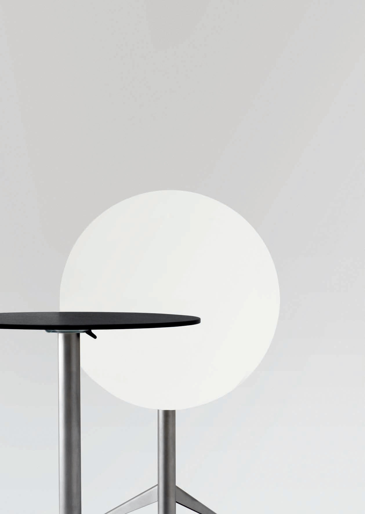 Seltz table ronde by lapalma design romano marcato - Table ronde rabattable ...