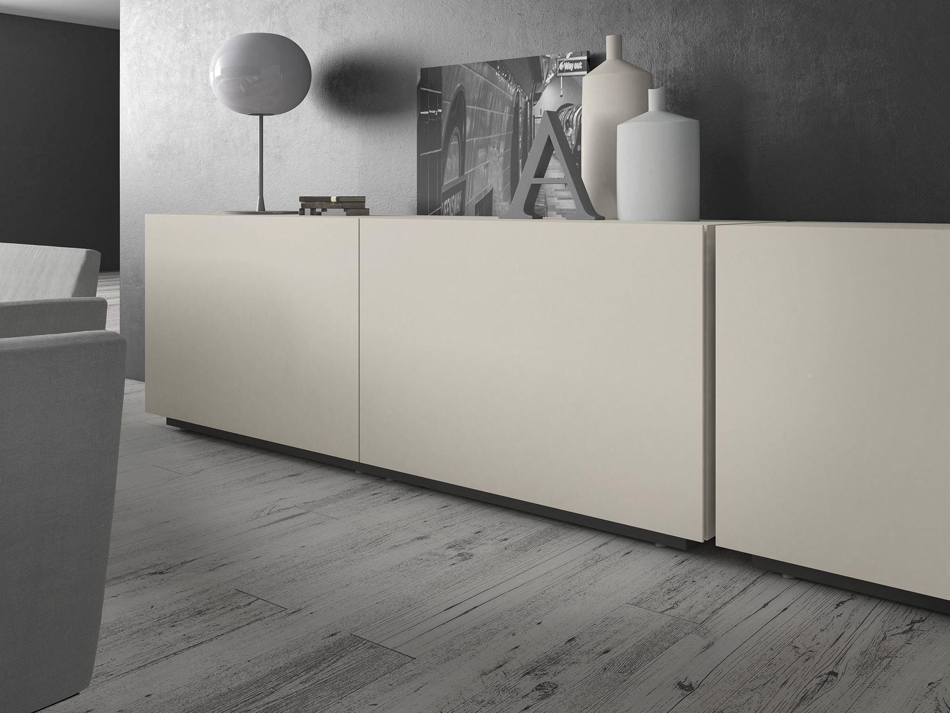 Buffet laqu e en bois portes coulissantes rewind by for Presotto industrie mobili