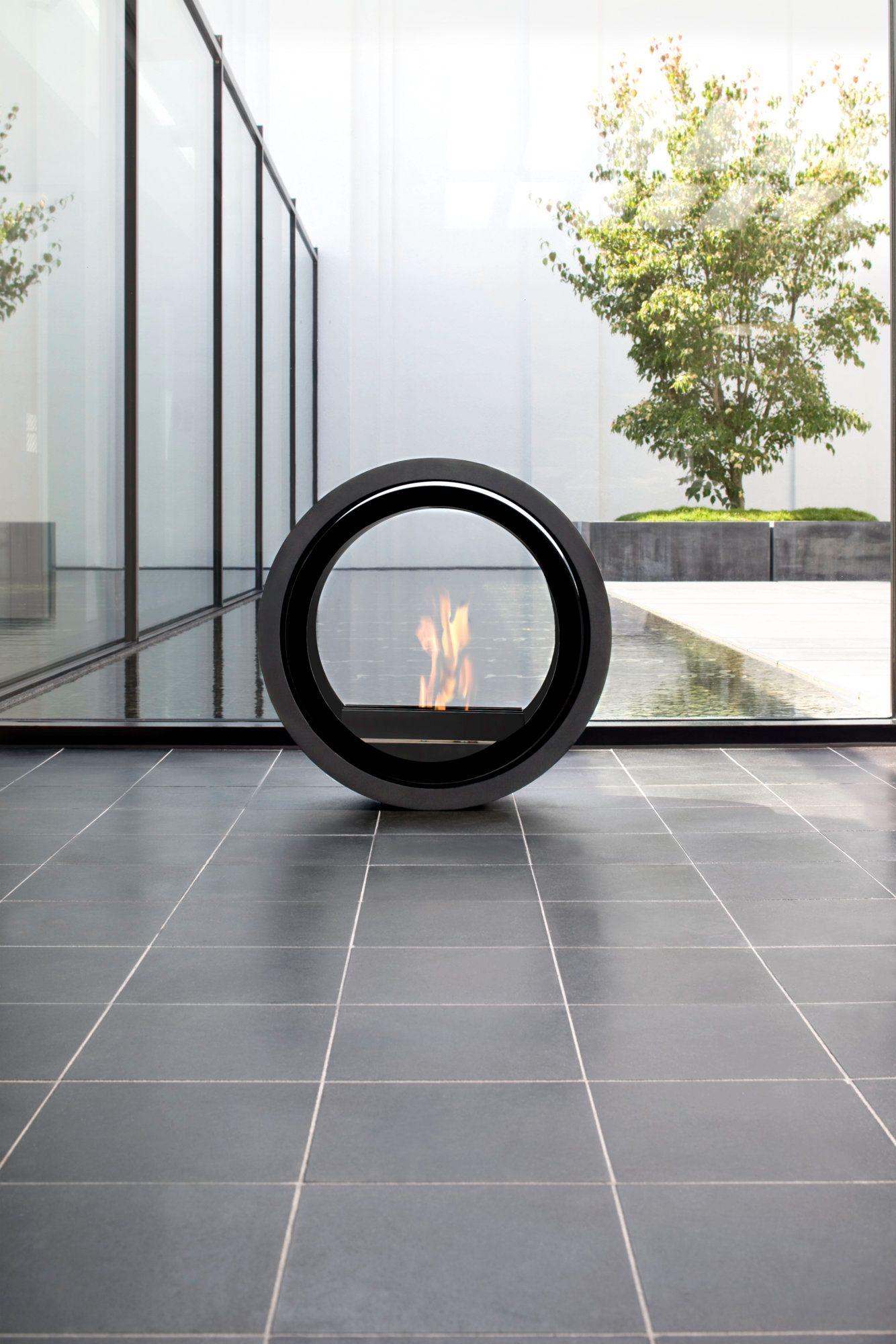 lareira autoportante a bioetanol com vidro panor mico roll. Black Bedroom Furniture Sets. Home Design Ideas