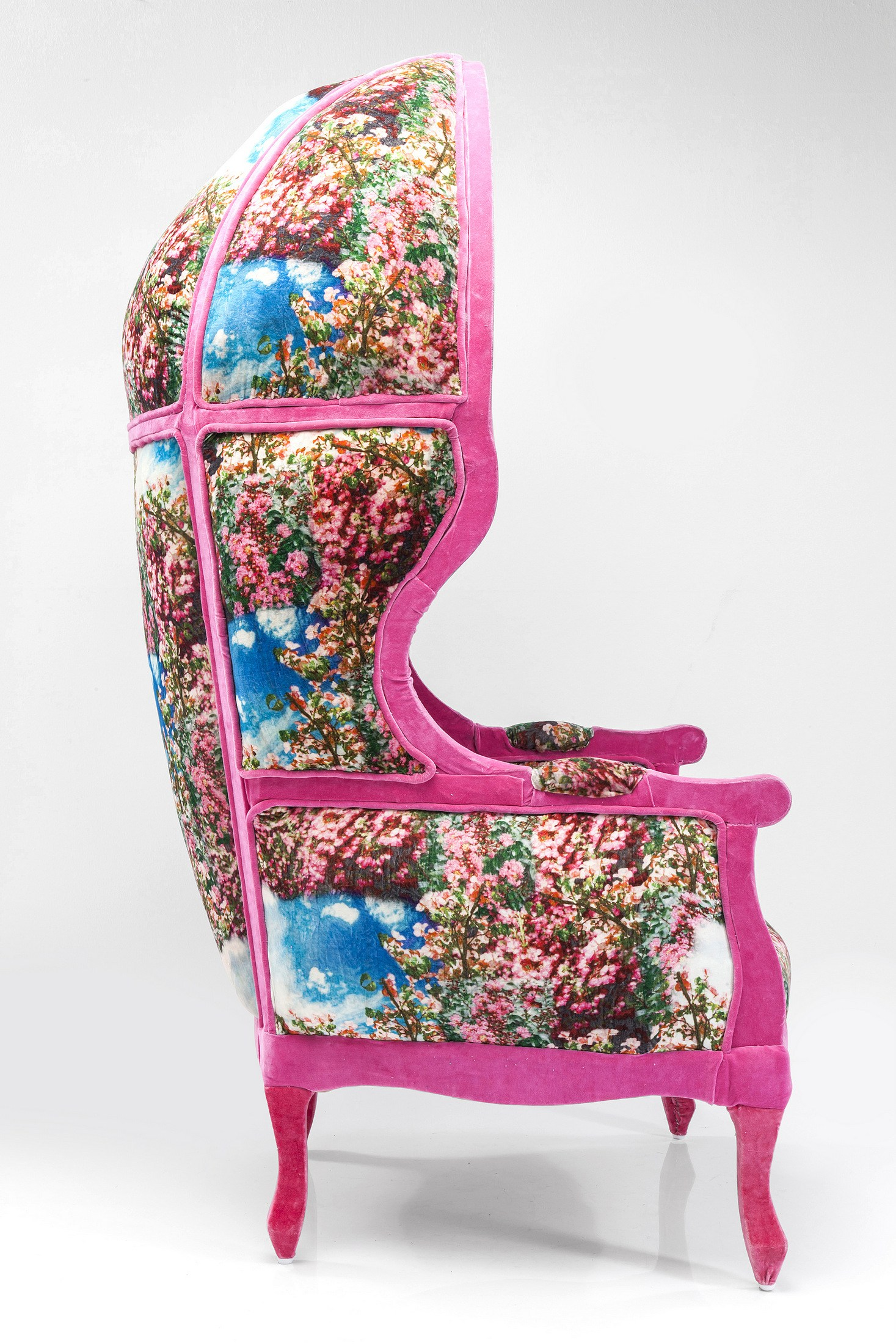 High Back Fabric Armchair With Armrests Roof Kitsch Art By