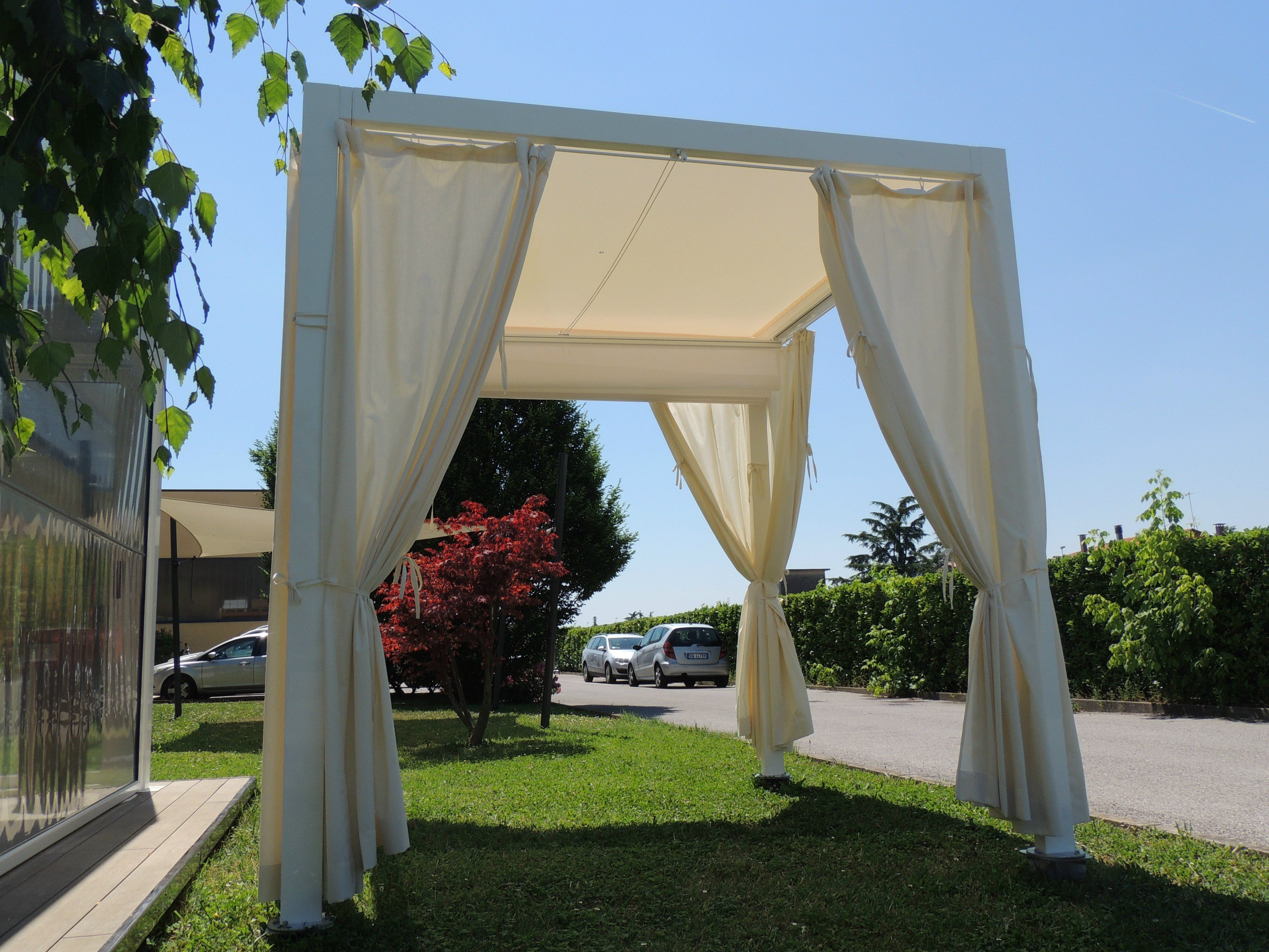 freistehende terrassen berdachung aus aluminium saki by ke. Black Bedroom Furniture Sets. Home Design Ideas