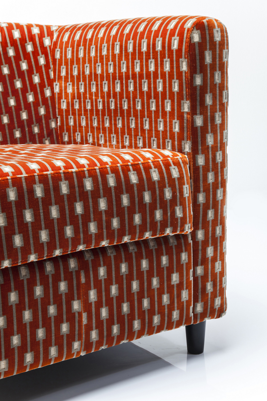 Poltrona in tessuto con braccioli snug square collezione for Poltrona kare design