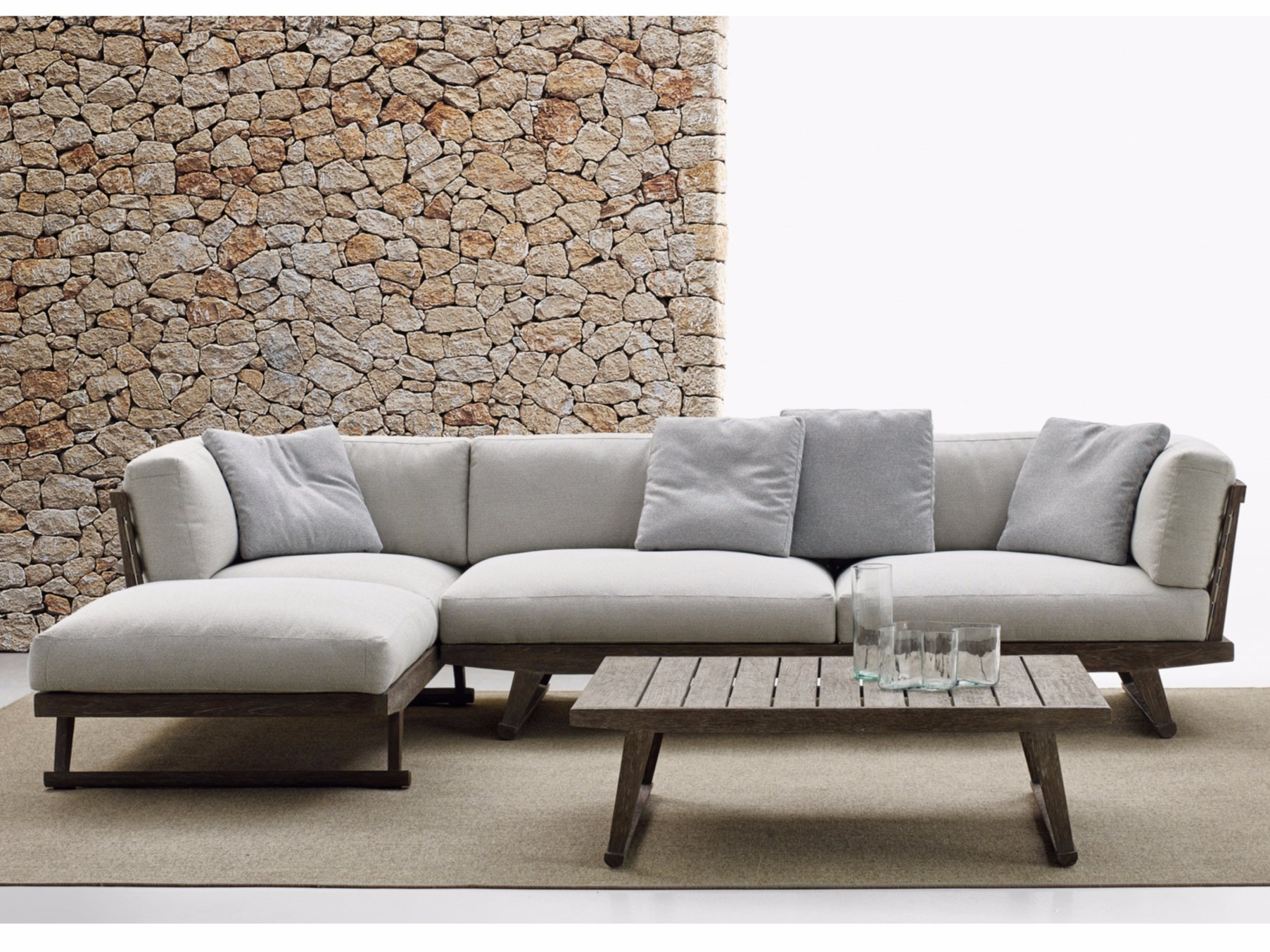 Gio sofa with chaise longue gio collection by b b italia - Chaise longue de jardin design ...