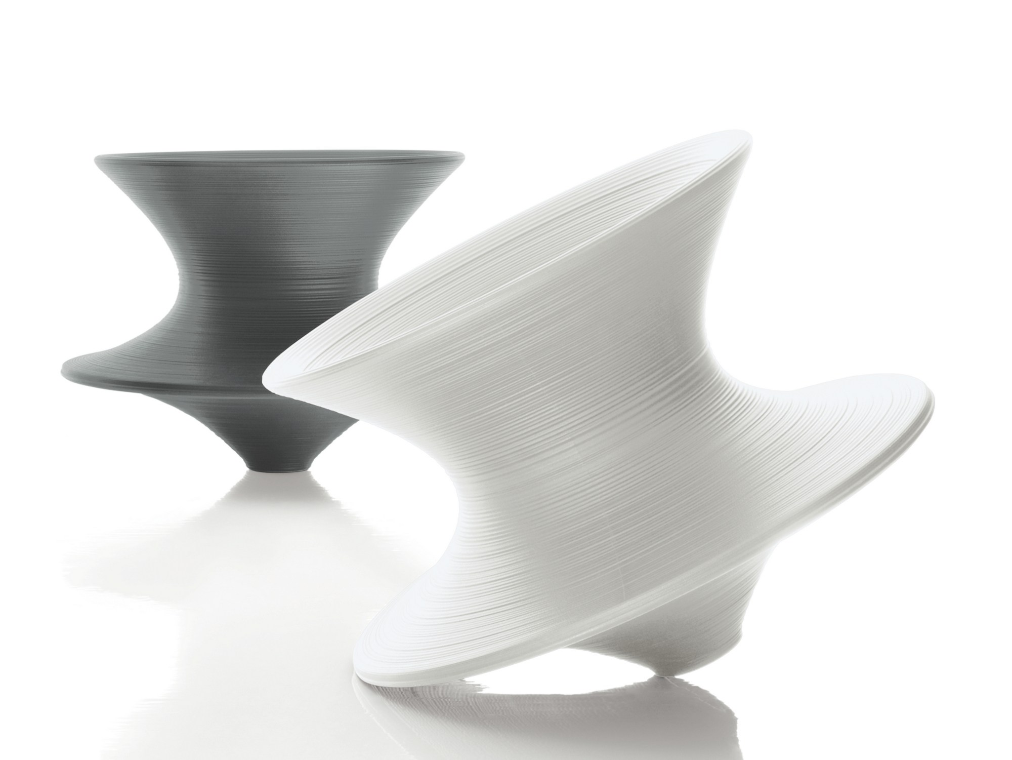 Polyethylene armchair spun by magis design thomas heatherwick for Magis design