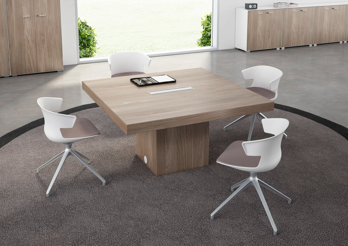 Square meeting table t45 collection by quadrifoglio for Table 12 personnes