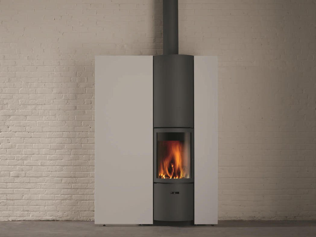 Stufa a legna a parete per riscaldamento aria st v 30 in collezione st v 30 by st v - Stufa a legna per riscaldamento ...