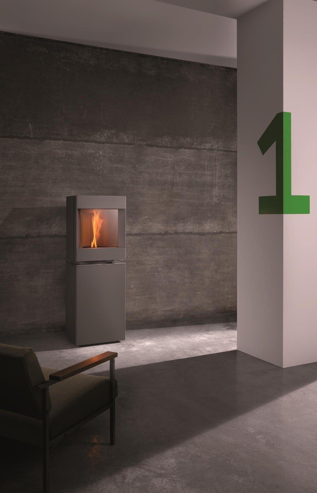 st v p 10 stufa in acciaio by st v. Black Bedroom Furniture Sets. Home Design Ideas