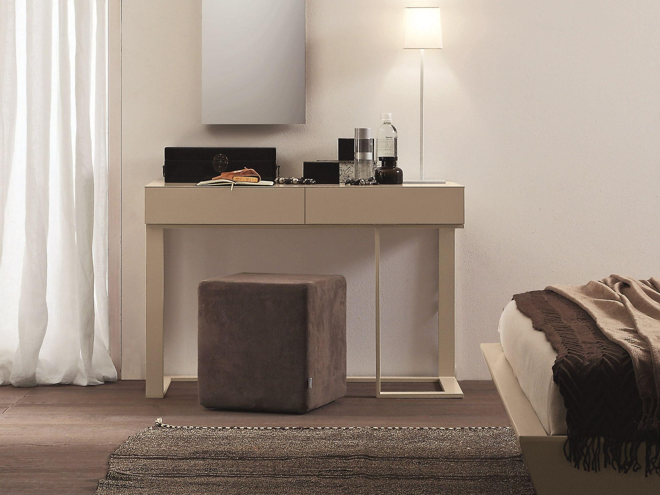Consolle rettangolare in legno con cassetti swing by for Presotto mobili