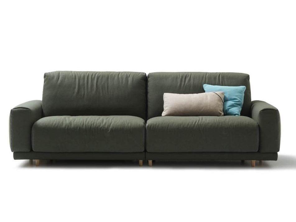 Tecno divano con movimento elettrico collezione tecno by for Divano elettrico