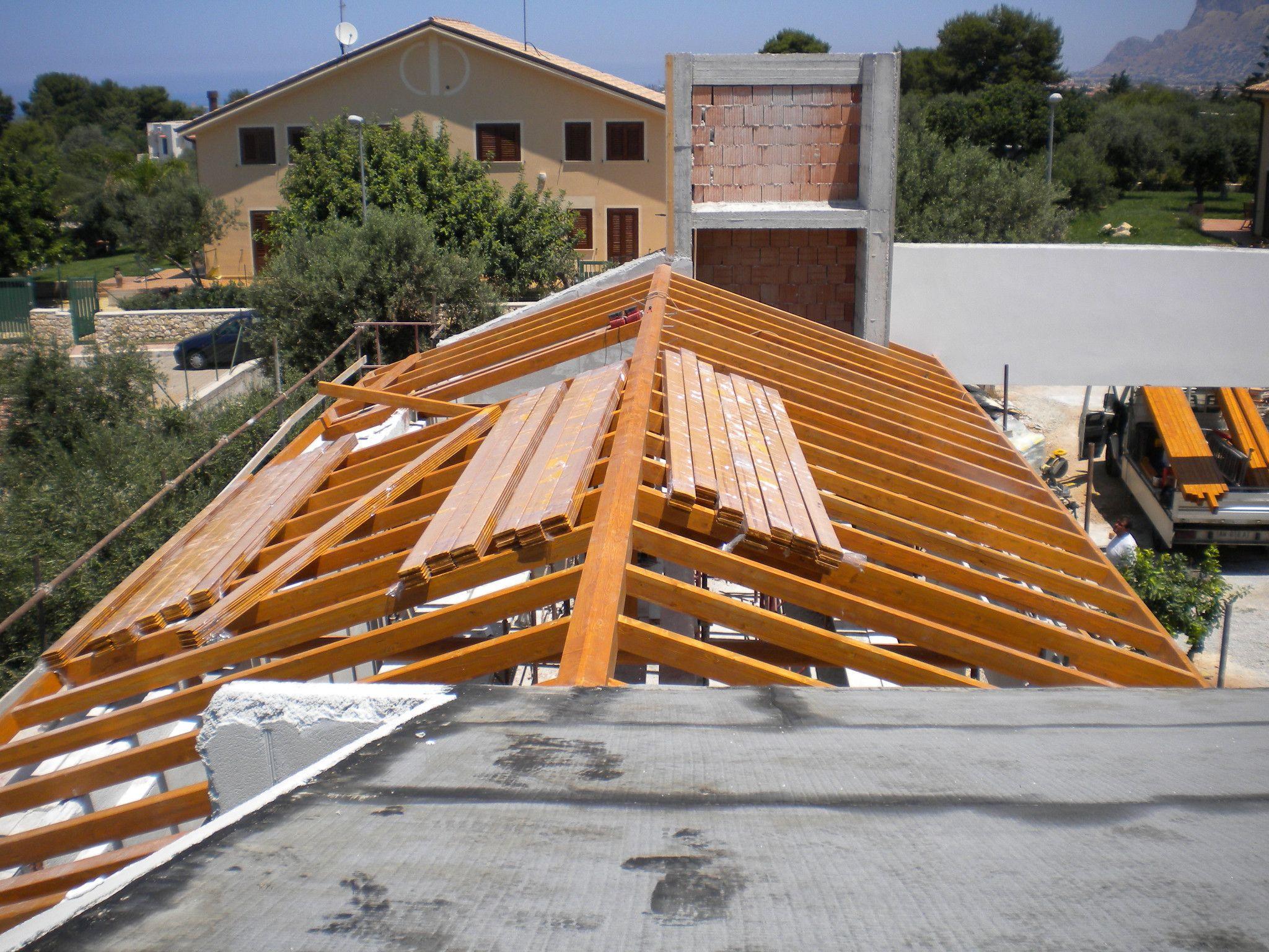 Tetto in legno by progettoelleci for Costo tetto in legno al mq