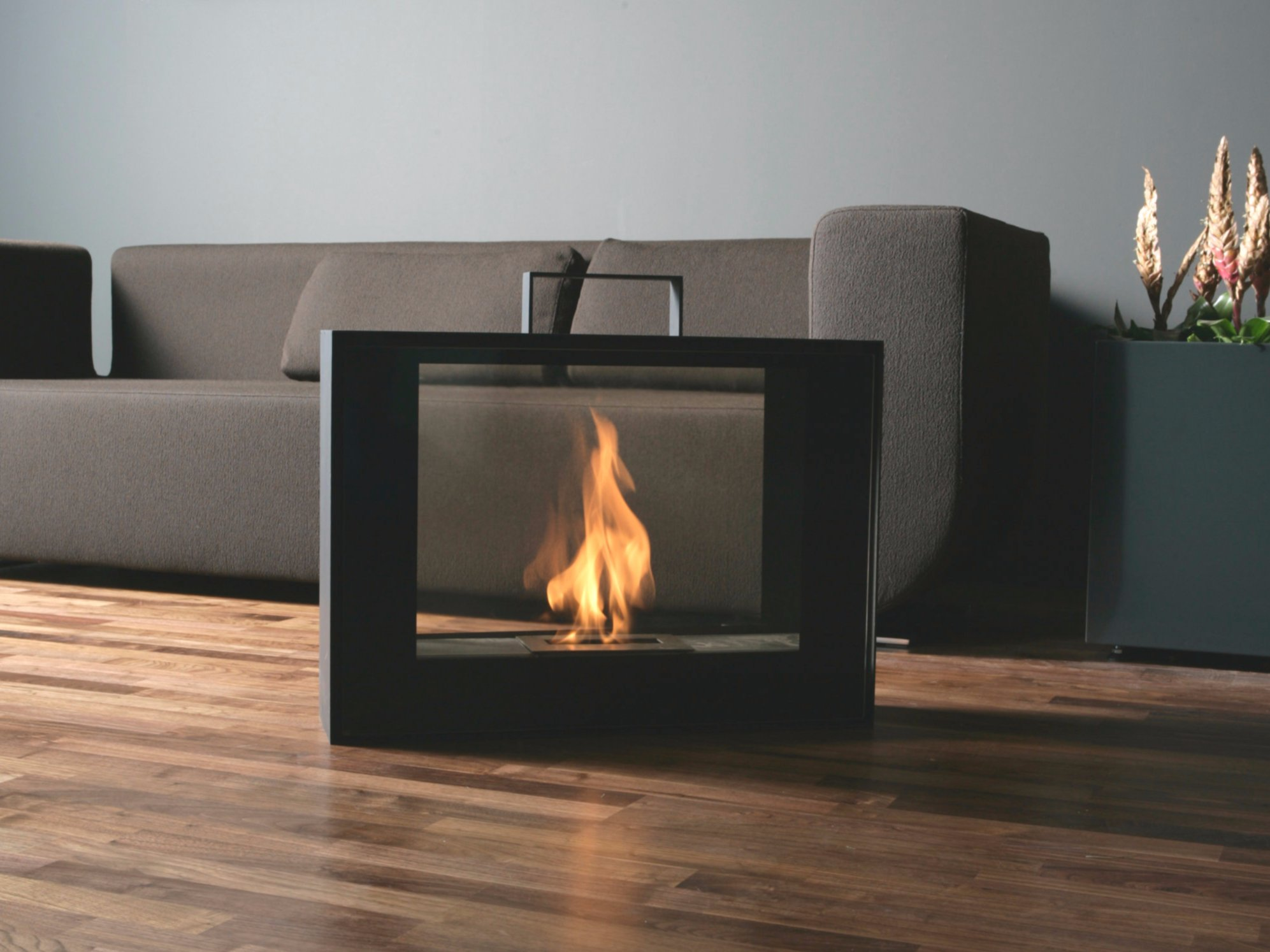 Rolling fireplace by conmoto