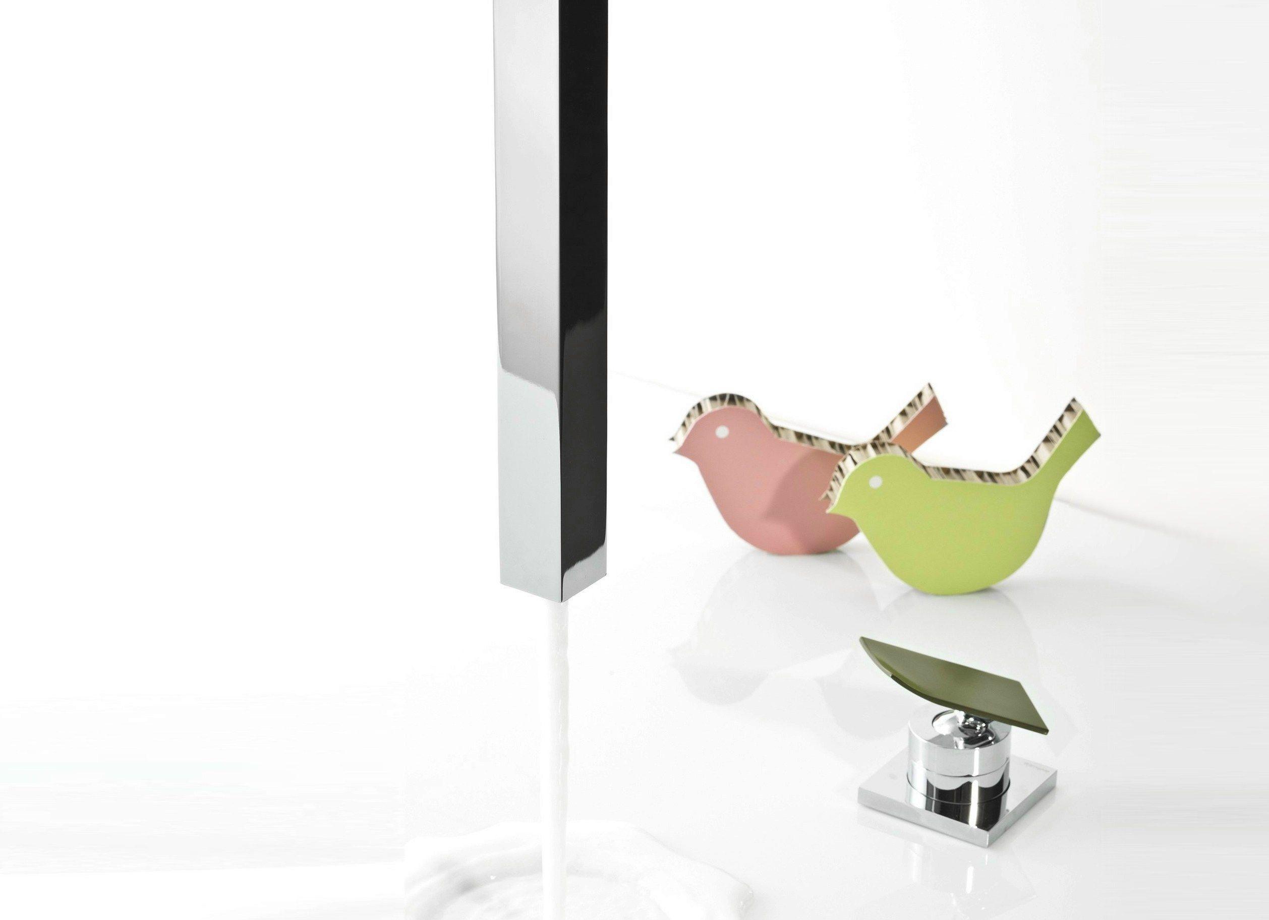 TWEET Miscelatore per lavabo da soffitto by RUBINETTERIE RITMONIO ...