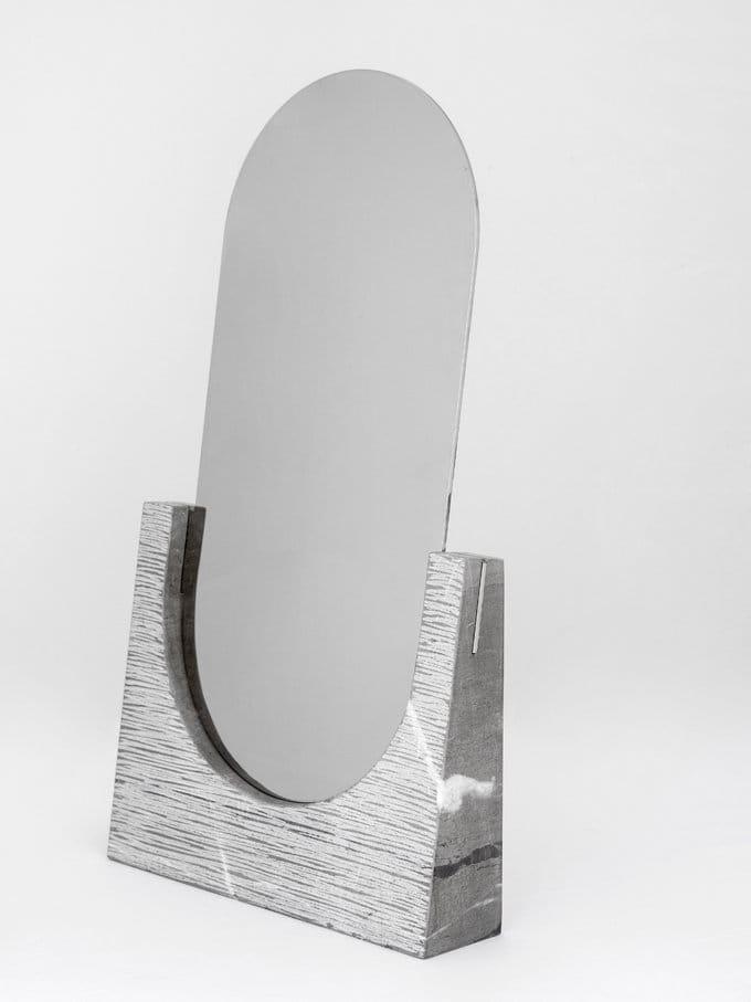 miroir poser ovale en marbre vuoti riflessi collection. Black Bedroom Furniture Sets. Home Design Ideas